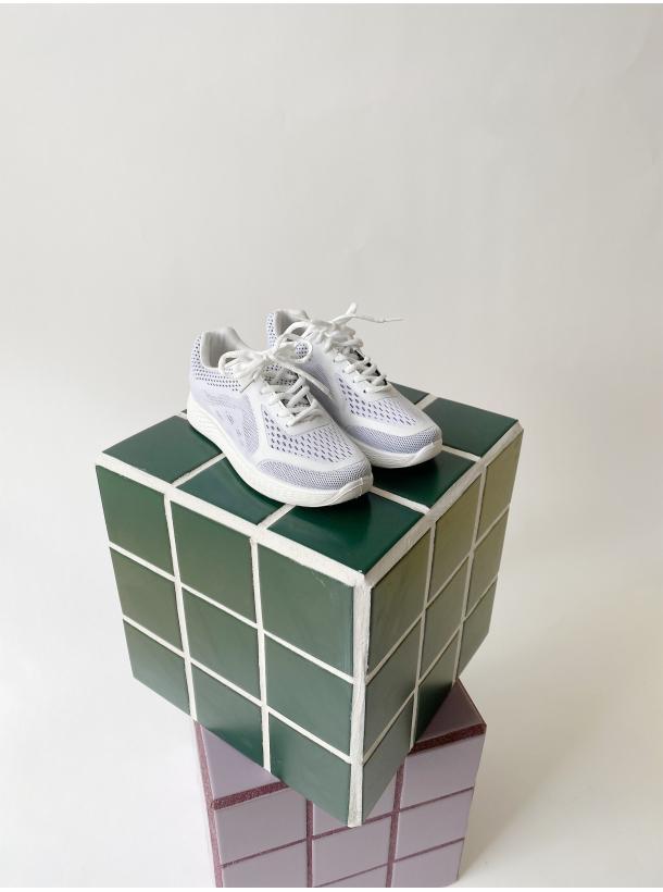 Hood Sneakers